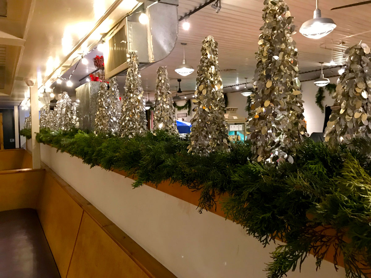 Check Out The Beautiful Holiday Decor At The Market By Renowned Event Designer Rusty Thomas